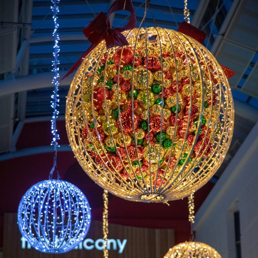 Christmas decorations at White Rose – Giant Baubles