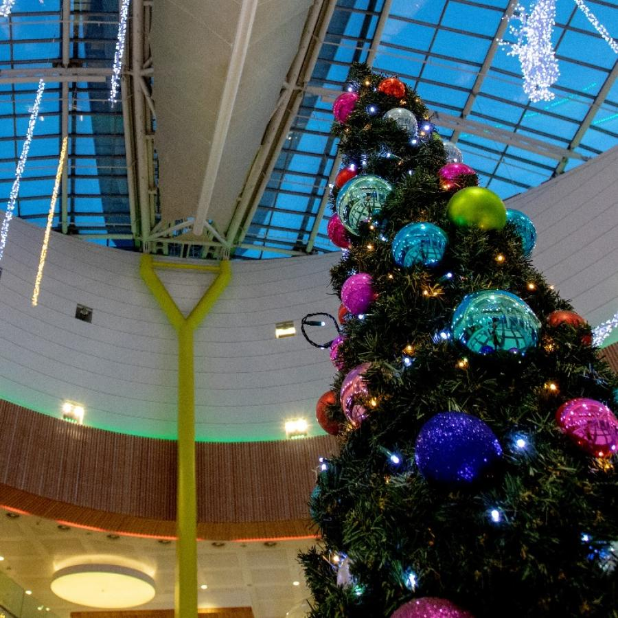 Christmas decorations at White Rose – The Christmas Tree